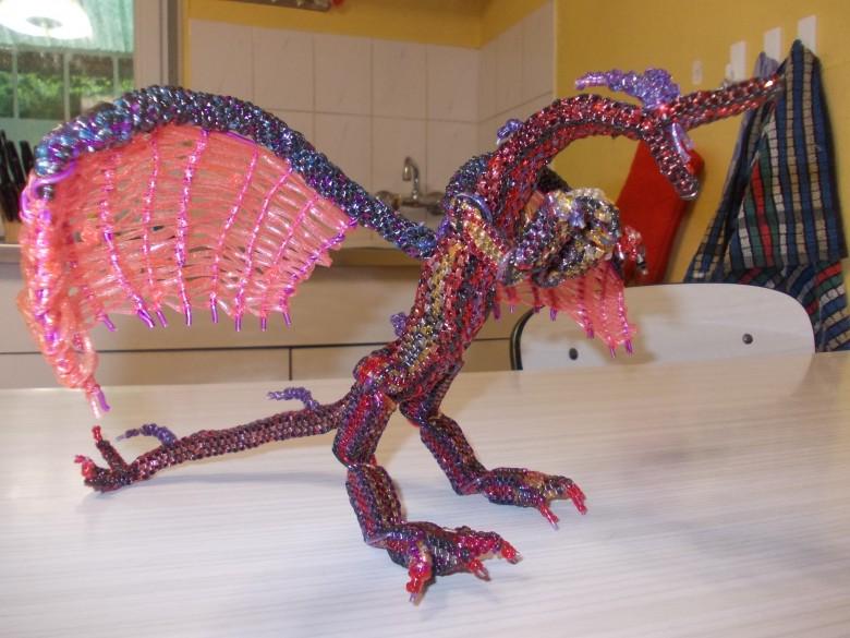 scoubidou dragon l 39 art des scoubidous. Black Bedroom Furniture Sets. Home Design Ideas
